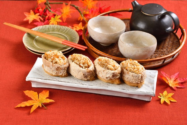 【カンタン秋レシピ3選】きび砂糖で豚巻き、木の子こがし、おいなりさんをプロ顔負けの味に!