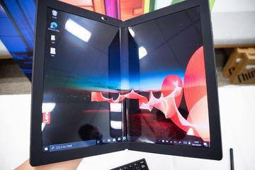 レノボ、「ThinkPad X1 Fold」のソフトバンク5G対応モデルを3月17日発売折りたたみ有機ELディスプレイを搭載したモバイルノートパソコン