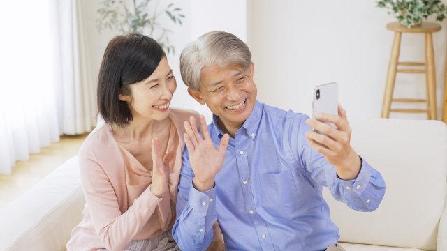 家族と手軽にコミュニケーションがとれるLINEの始め方【スマホ入門】