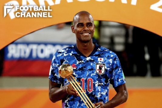 男子のFIFA主催大会で日本人選手初。茂怜羅オズがビーチサッカーW杯MVP受賞